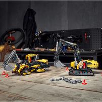 LEGO Technic Heavy-Duty Excavator 42121